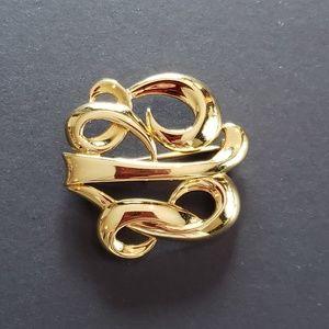 🍒3/$20🍒 VINTAGE Faux Gold MONET Brooch
